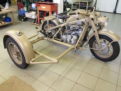 Zundapp KS 750 avec chassis side