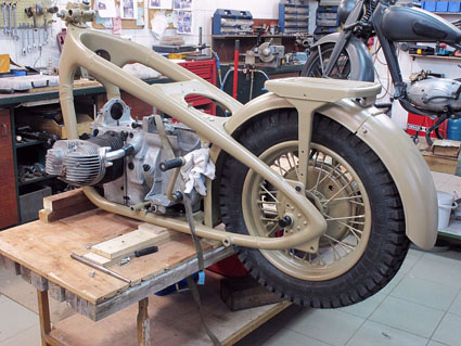 Zundapp KS 750 la moto reprends vie