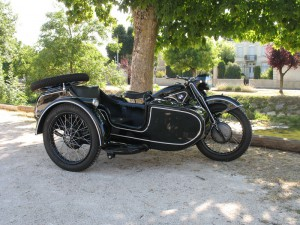 BMW R12 side car