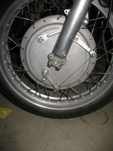 Honda 550 four frein avant